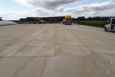 Leggen betonplaten Tricht